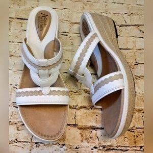 Clark's Artisan Collection Sandals/Slides SZ 9.5